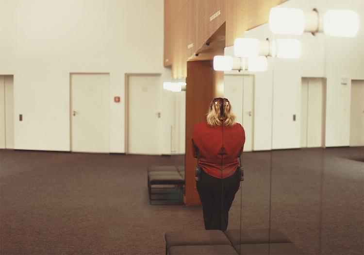 © Verónica Losantos | In Between 1 | Nati Guil | MUJERES MIRANDO MUJERES | MMM | arte a un click | A1CProyectos