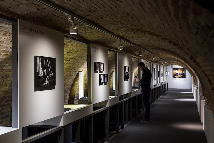 Magnum: Hojas de Contacto   Fundación Canal  Arte a un Click